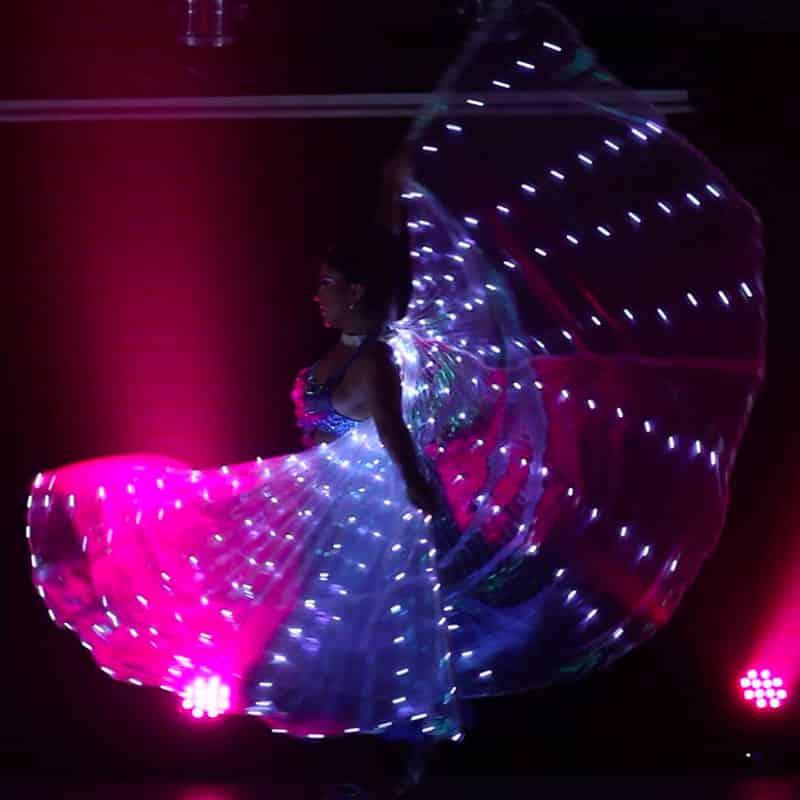 spectacle cabaret - magie, cirque, danse, chant, feu et lumineux