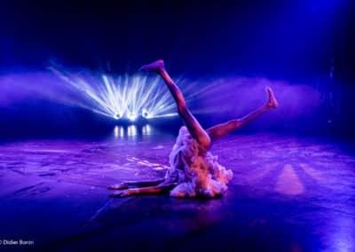 Nina Van der Pyl contorsionniste © Didier Bonin